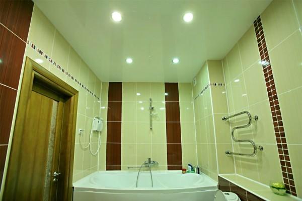 Как выбрать натяжной потолок для ванной